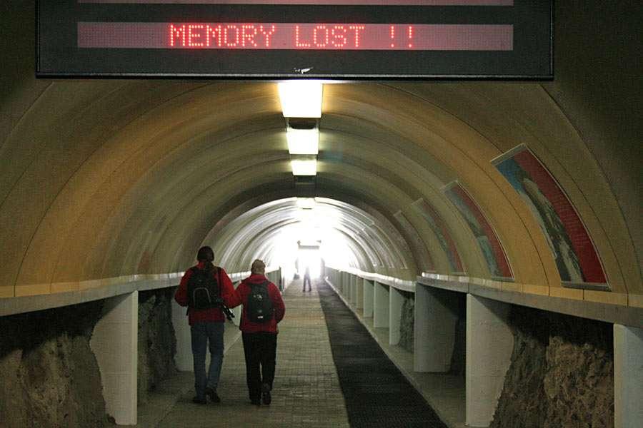 Utracona Pamięć - Zdjęcie wykonane w tunelu przy szczycie Klein Materhorn (Zermatt, Szwajcaria) (9×6)