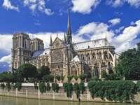 Katedra Notre-Dame w Paryżu (Francja)