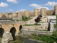 Mury obronne miasta Avila (Hiszpania)