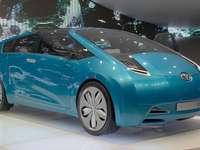 Samochód studyjny Toyota Hybrid X