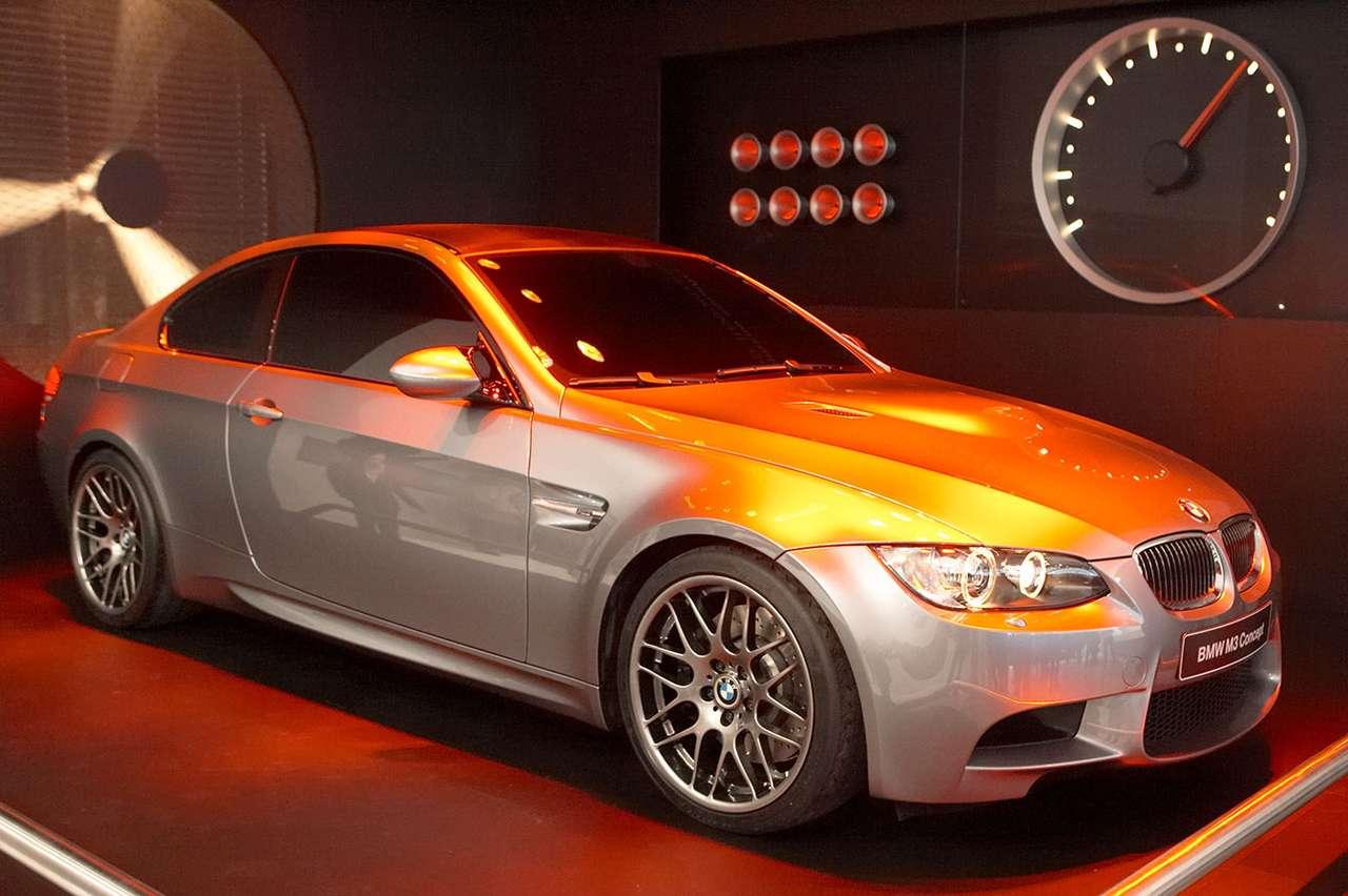 Samochód studyjny BMW M3 - Oczekiwana od dawna czwarta generacja BMW M3 ujrzała światło dzienne podczas genewskiego autosalonu w marcu 2007 roku. W 2008 roku, kiedy BMW trafi do salonów, pod jego maską znajdzie się 420-ko (8×5)