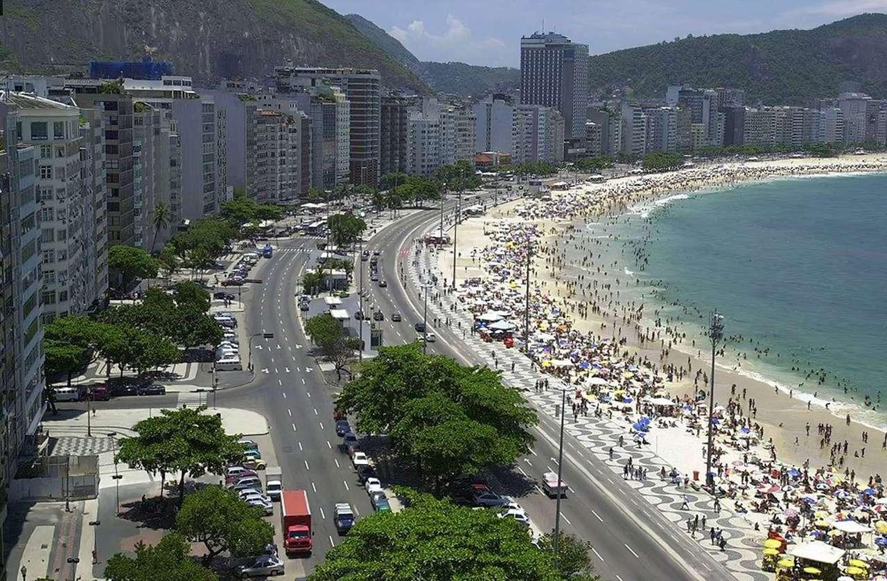 Rio de Janeiro (Brazylia) - Rio de Janeiro (Rzeka Styczniowa) jest największym miastem południowo-wschodniej Brazylii. Jest też drugim co do wielkości, po po São Paulo, miastem w tym kraju. Dzięki położeniu nad Atlantyki (14×9)