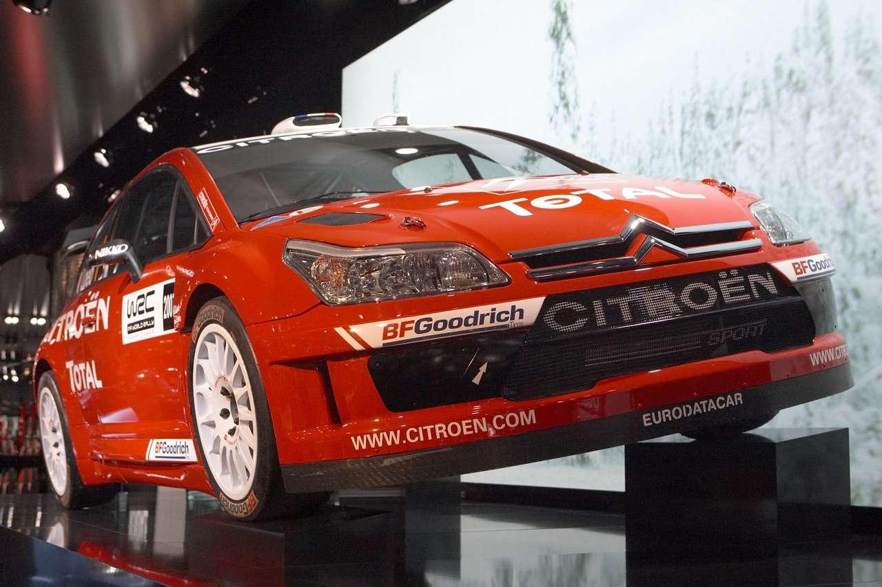 Citroen C4 WRC - C4 WRC (World Rally Car) to sportowa wersja popularnego samochodu kompaktowego francuskiego producenta. Citroën C4 został wszedł do produkcji w 2004 roku, jednak na wersję WRC trzeba było poczeka (9×6)