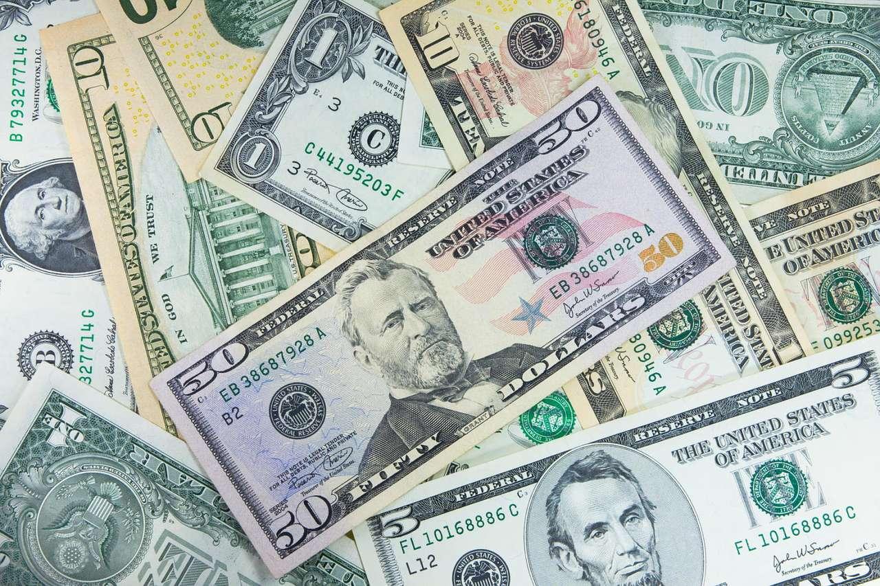 """Dolary Amerykańskie - Dolary, zwane przez Górali """"dutkami"""" to waluta Stanów Zjednoczonych, używana powszechnie na całym świecie. Zielone banknoty były uważane za najsilniejsza na świecie i bardzo stabilną walutę (18×12)"""