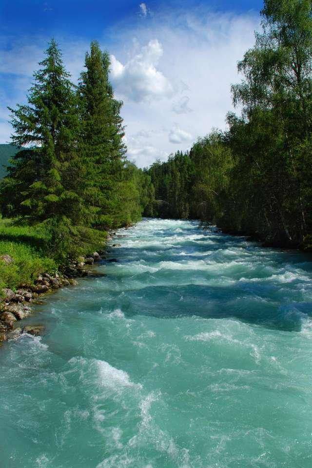 Górska rzeka (Rosja) - Rwąca rzeka spływająca z gór Ałtaj w Rosji. Łańcuch górski Ałtaj ma długość około 2000 kilometrów, a leży w azjatyckiej części Rosji oraz częściowo na terenie Chin, Mongolii i Kazac (6×9)