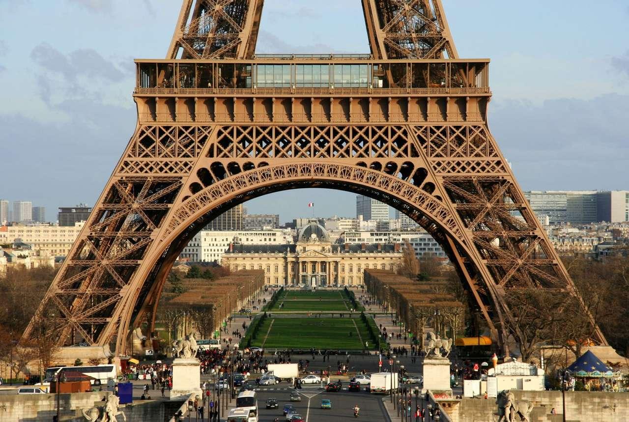 Podstawa wieży Eiffla (Francja) puzzle online