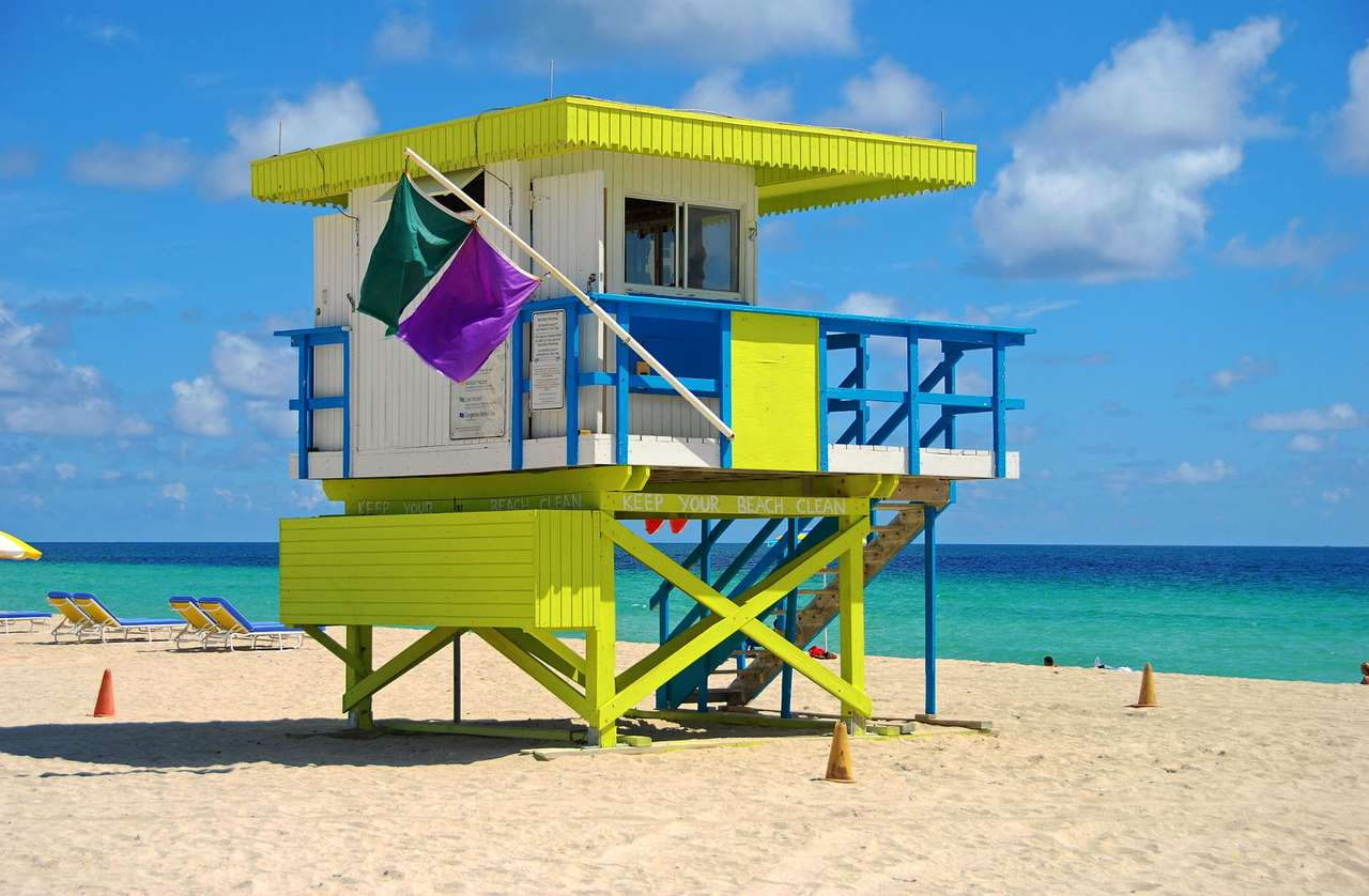 Wieża obserwacyjna na plaży w Miami (USA) -  (9×6)