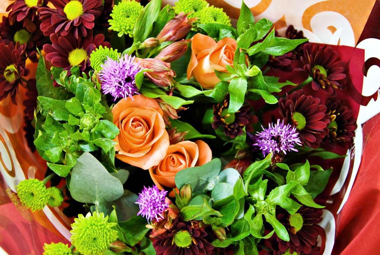 Bukiet kwiatów - Bukiety kwiatów są zwyczajowym podarunkiem wręczanym z okazji imienin, rocznic, ślubu czy innych uroczystości. Bukiety często używane są też do dekoracji wnętrz lub nawet jako dodatek do str (16×10)