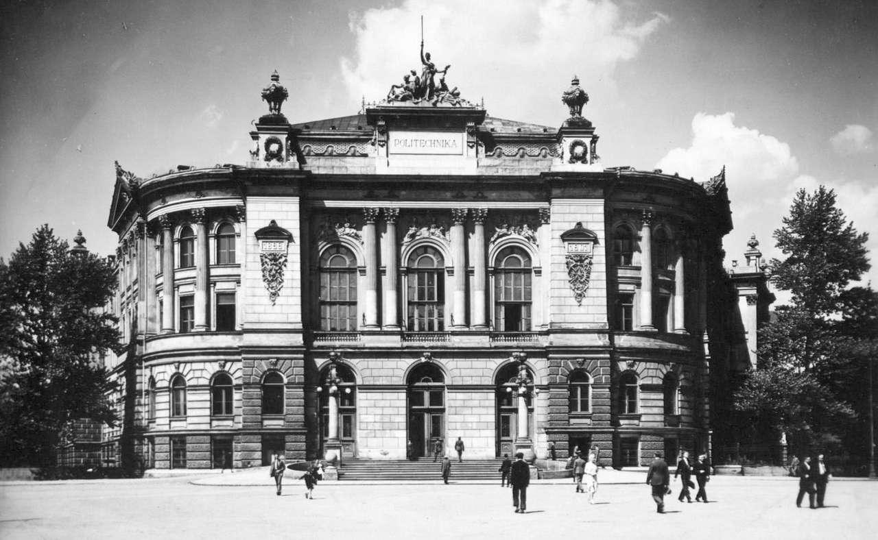 Politechnika Warszawska - Politechnika Warszawska - gmach główny, 1939 rok. Zdjęcie ze zbiorów Archiwum Państwowego m.st. Warszawy (11×6)