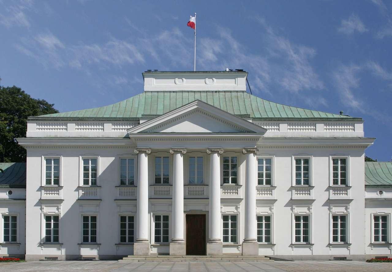 Belweder w Warszawie - Warszawski Belweder to klasycystyczny pałac w Parku Łazienkowskim. Belweder był siedzibą Prezydenta Polski, jednak obecnie należy do Kancelarii Prezydenta RP i pełni funkcje reprezentacyjne. Bud (8×6)