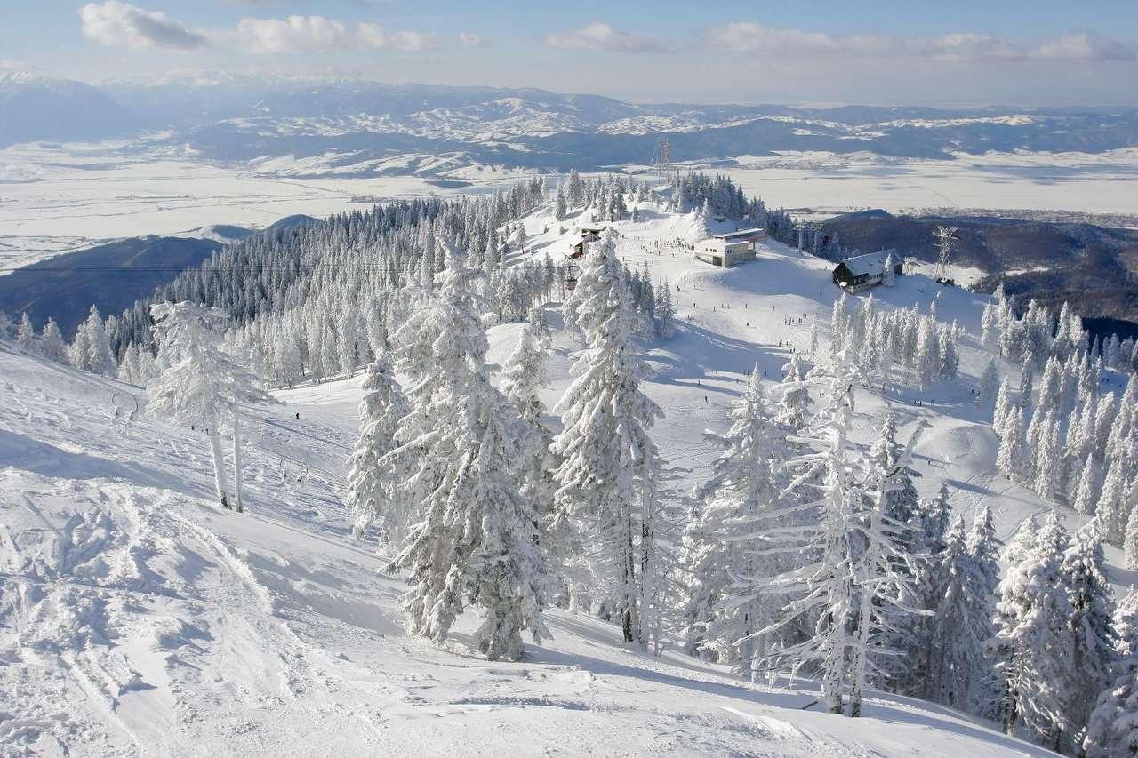 Zima w Górach - Góry zimą są piękne, szczególnie dla osób uprawiających sporty zimowe. Ośrodki i trasy narciarskie zwykle położone są w malowniczej okolice, a narciarze mają okazje podziwiać zapierające (12×8)