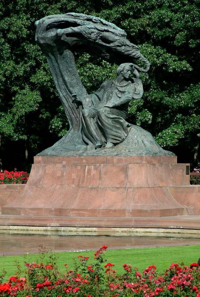 Pomnik Fryderyka Chopina - Jeden z najbardziej znanych i rozpoznawalnych polskich pomników. Znajduje się w warszawskim Parku Łazienkowskim. Odlany z brązu pomnik przedstawia postać najwybitniejszego polskiego kompozytora s (6×9)