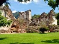 Ruiny kościoła La Recoleccion (Gwatemala)