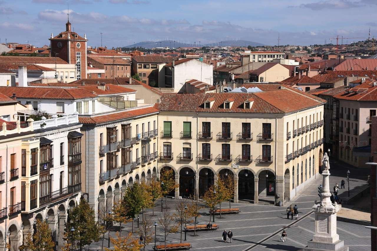 Plac Św. Teresy w Avila (Hiszpania) - Plac Świętej Teresy (Plaza Santa Teresa) w mieście Ávila. Ávila jest stolicą prowincji o tej samej nazwie. Miasto położone jest w środkowej Hiszpanii, w regionie Kastylia-León, w Górach Kas (15×10)