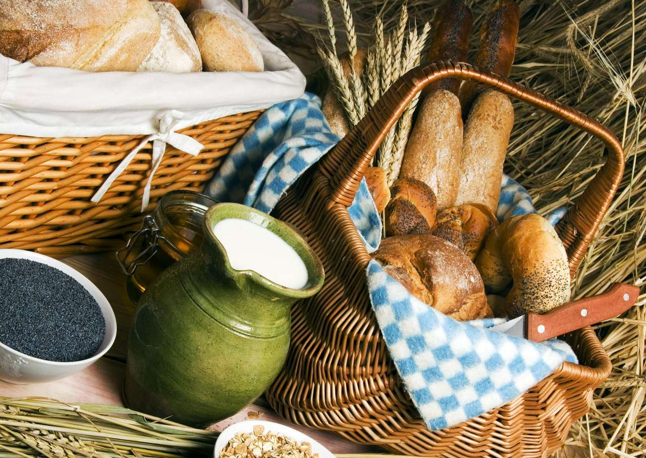 Czas na śniadanie - Świeże, chrupiące pieczywo sprawia, że śniadanie jest czystą przyjemnością. Oczywiście inne składniki posiłku także są ważne, ale pieczywo często przesądza o ogólnym wrażeniu. Należ (17×10)