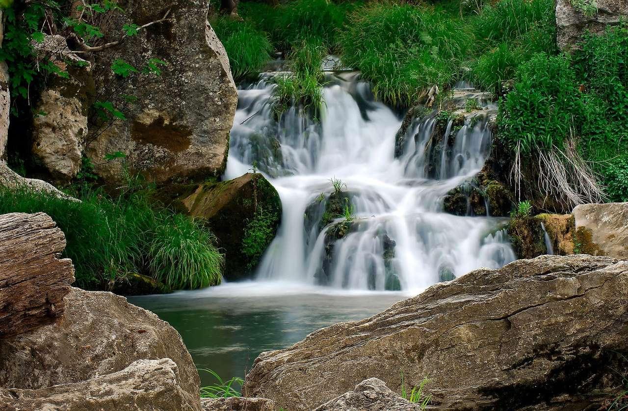 Niewielki wodospad