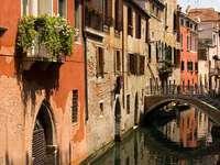 Kanał w Wenecji (Włochy)