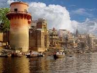Ganges w Waranasi (Indie) puzzle online