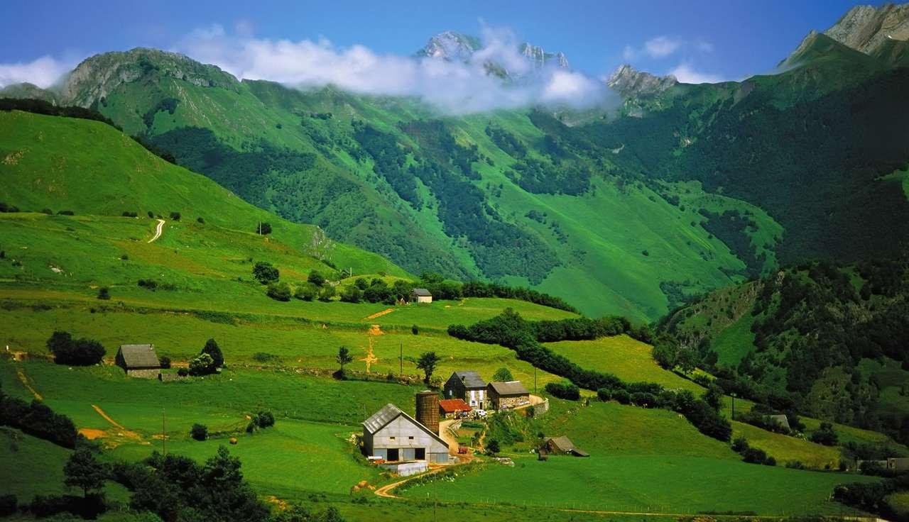 Pireneje w pobliżu Lescun (Francja)