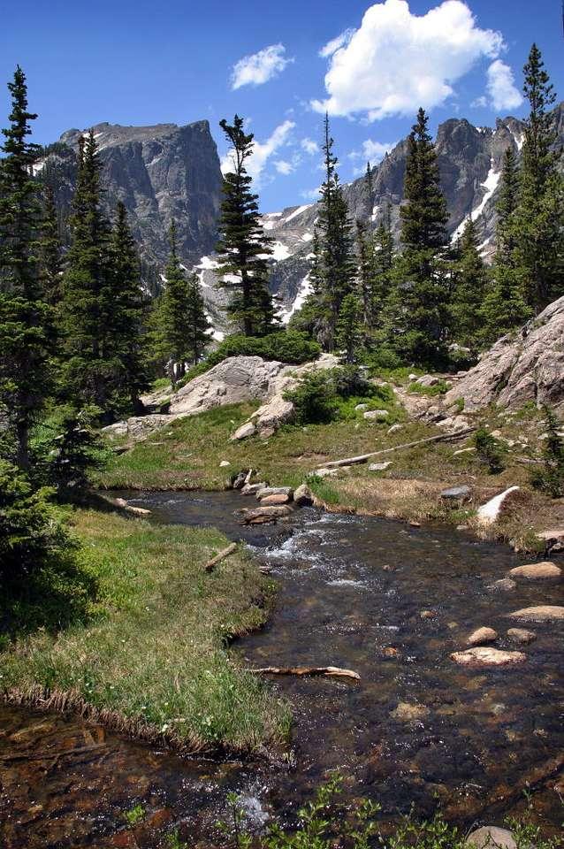 Góry Skaliste w Kolorado (USA) - Góry Skaliste to część Kordylierów. Rozciągają się na długości 4800 kilometrów, na terenie USA i Kanady. Najwyższy szczyt pasma - Mount Elbert - ma wysokość 4401 m n.p.m. i leży w amery (5×8)