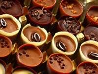 Bombonierka - czekoladowe filiżanki