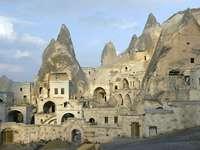 Skalne miasto w Kapadocji (Turcja)