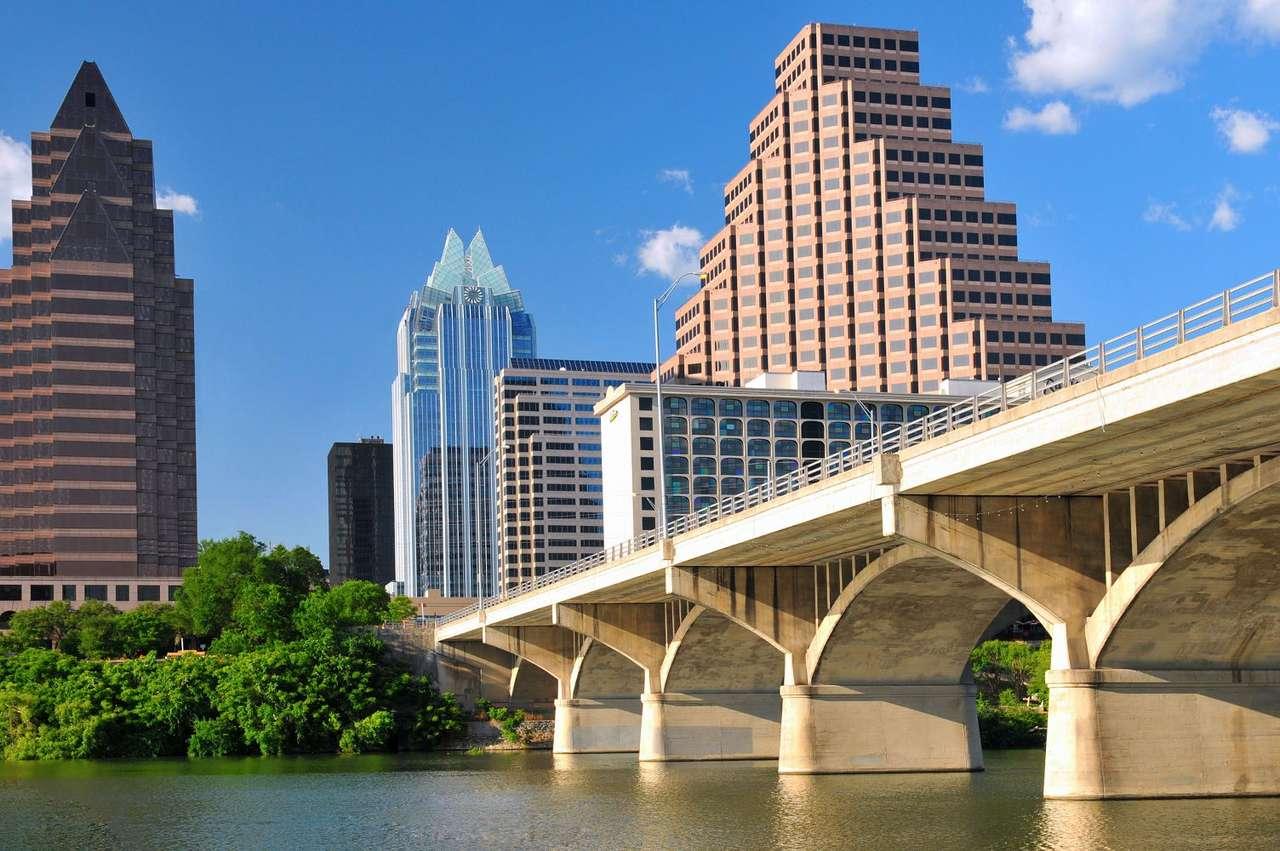 Austin (USA) - Austin to stolica amerykańskiego stanu Texas, leżąca nad brzegiem rzeki Kolorado. Centrum miasta, nazywane dzielnicą biznesową, to przykład surowej, nowoczesnej architektury urbanistycznej. W je (8×5)