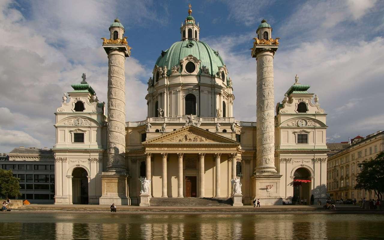 Kościół św. Karola Boromeusza (Austria) - Kościół św. Karola Boromeusza w Wiedniu to jedna z najwspanialszych barokowych świątyń w Europie, ufundowana w roku 1713 przez Karola VI po ostatniej z wielu epidemii dżumy, jakie nawiedziły (13×8)