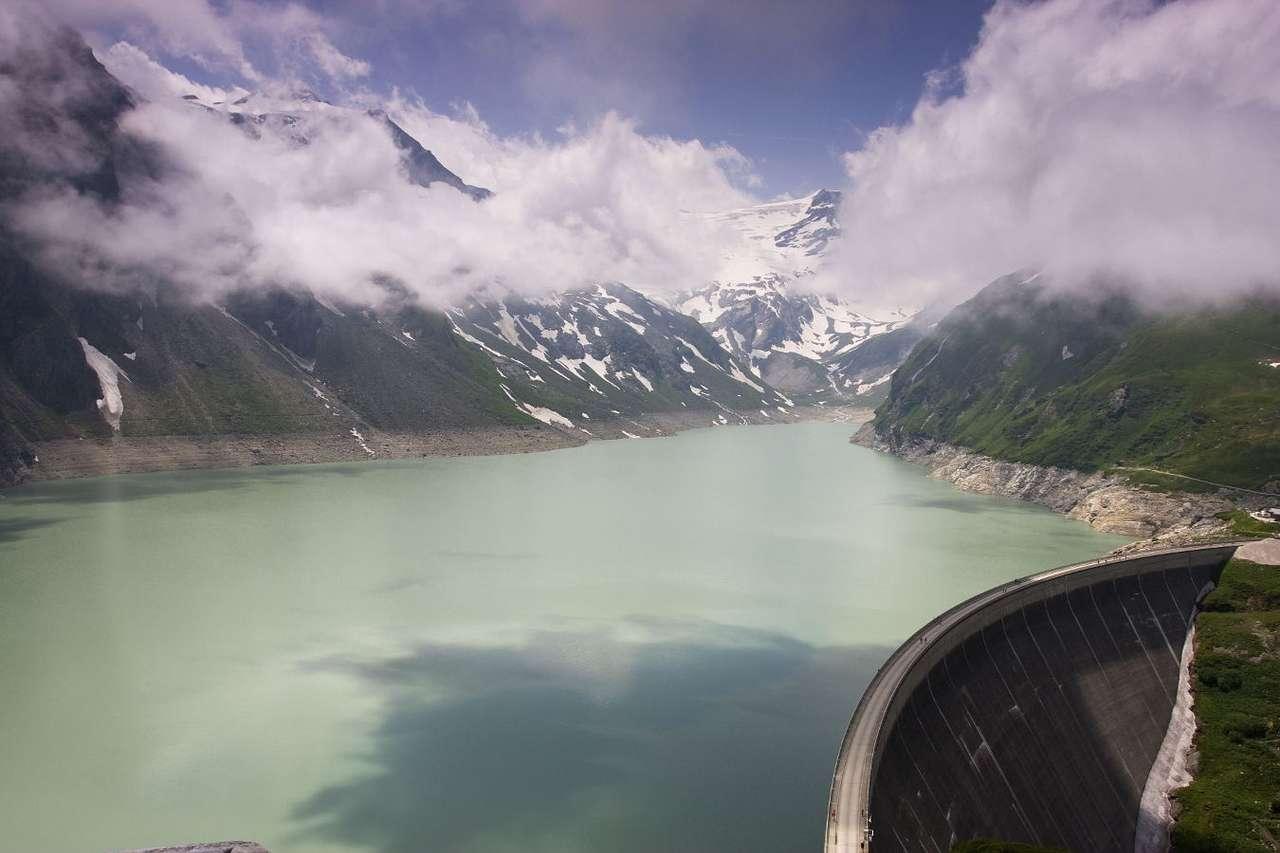 Jezioro Moserboden w Alpach (Austria) - Moserboden to piękne górskie jezioro zaporowe, znajdujące się w rejonie Kaprun na wysokości ponad 2000 m. Zasilane jest wodami roztopowymi z lodowca Pasterze w Parku Narodowym Wysokie Taury. Otoc (9×6)