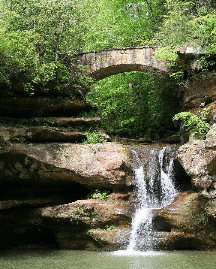 Wodospad w Parku Hocking Hills (USA)
