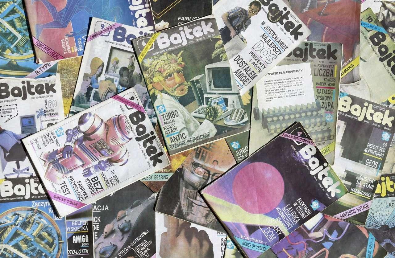 """Magazyn komputerowy """"Bajtek"""" - Stare numery czasopisma """"Bajtek"""" przywołują wspomnienia początków ery komputerów domowych. Wydawany od 1985 roku """"Bajtek"""" stanowił dla wielu pasjonatów najlepsze, a często jedyne źródło wie (26×17)"""