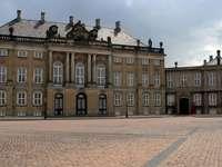 Zamek Amalienborg w Kopenhadze (Dania)