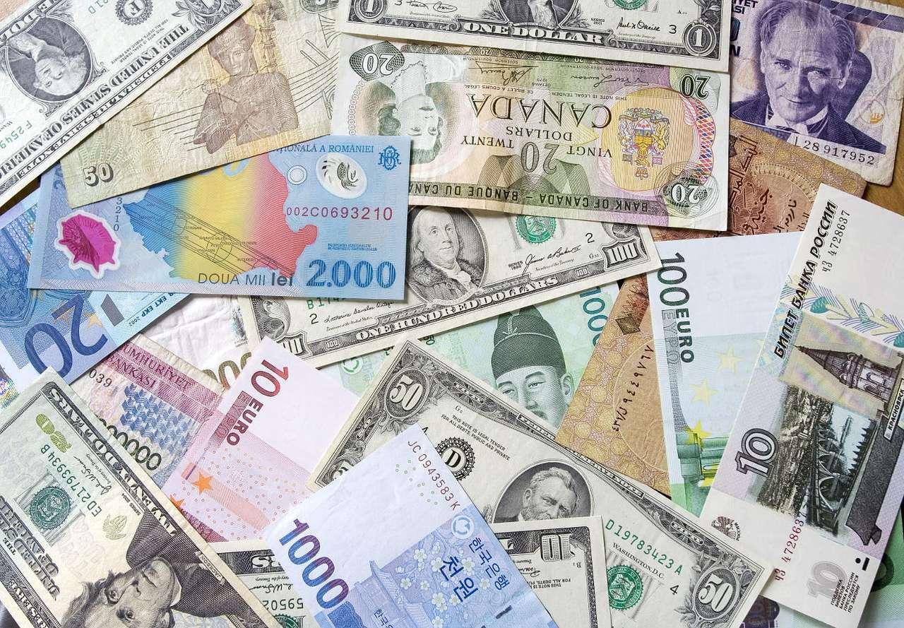 Banknoty - Banknotami nazywa się współcześnie papierowe pieniądze emitowane przez banki, zwykle dobrze zabezpieczone przed fałszerstwem, będące prawnym środkiem płatniczym w danym kraju lub na danym ob (19×13)
