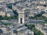 Łuk Triumfalny w Paryżu (Francja)