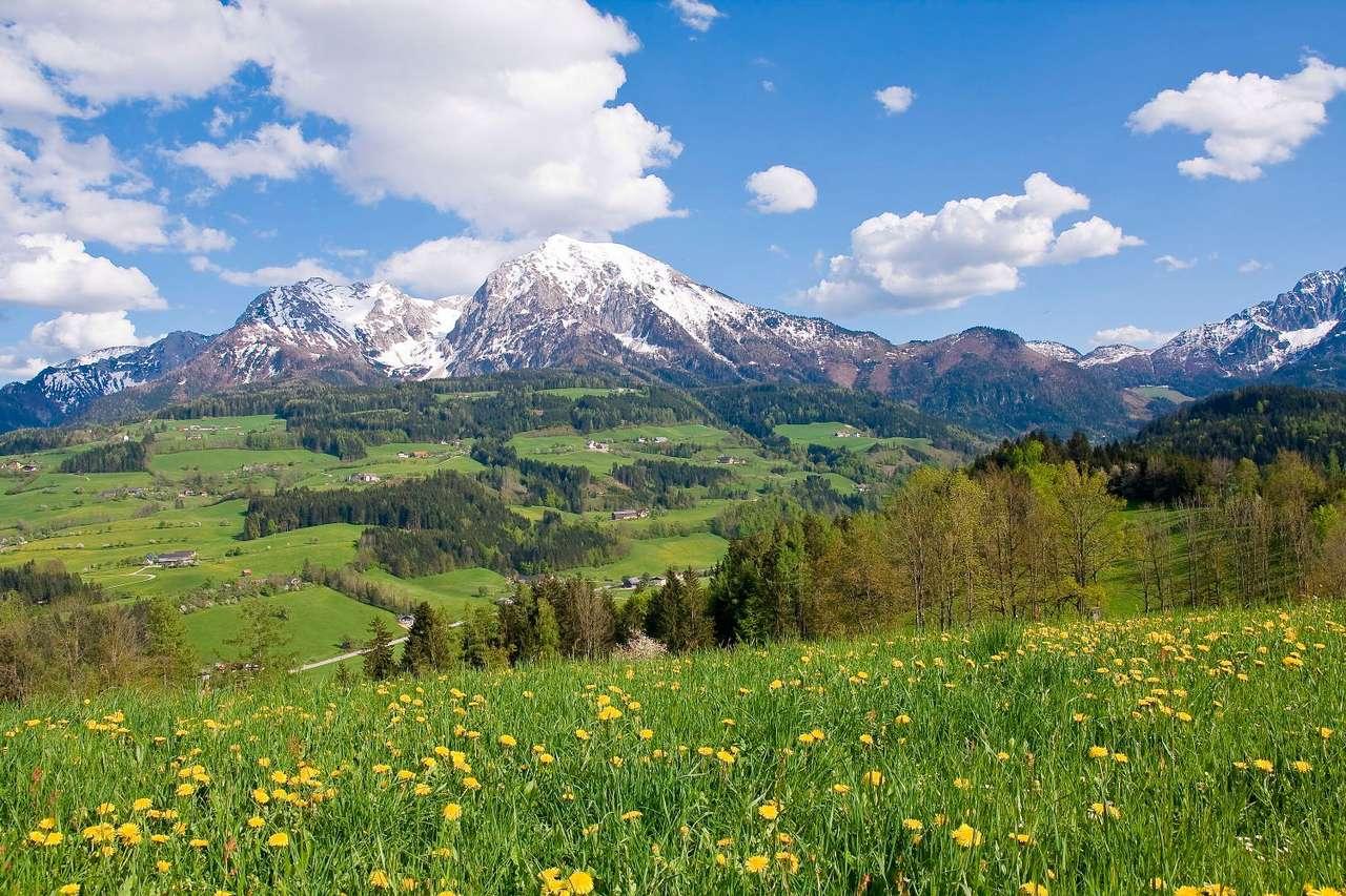 Alpejski krajobraz wiosną