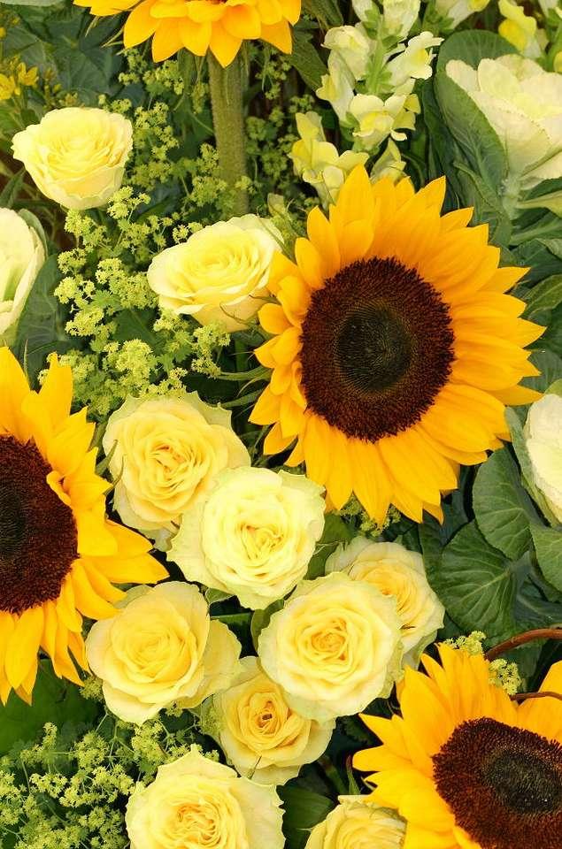 Żółte słoneczniki i róże puzzle ze zdjęcia