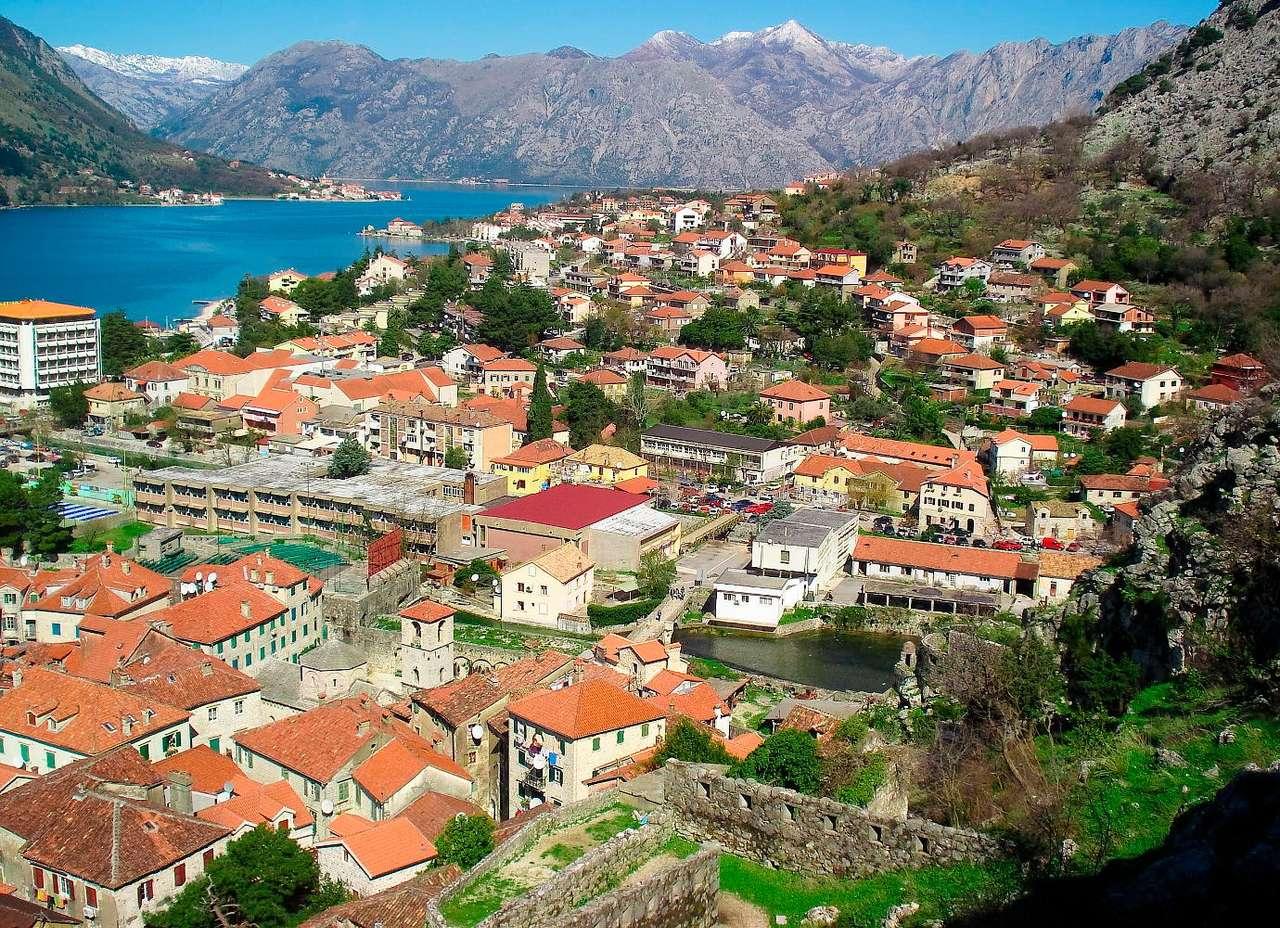Widok na Zatokę Kotorską (Czarnogóra)