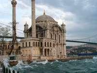 Meczet Ortakoy w Stambule (Turcja) puzzle