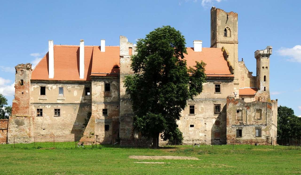 Zamek w Brzecławiu (Czechy) - Brzecław to miasto założone w XI wieku niedaleko grodu księcia Brzetysława, od którego pochodzi nazwa miasteczka, położone w południowej części Republiki Czeskiej, niespełna 50 km od Brna, (4×10)