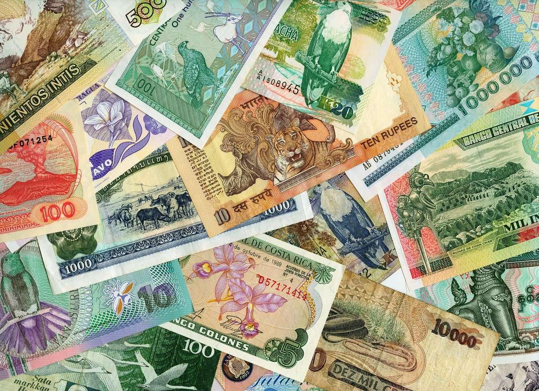 Różne waluty - Waluta jest jednostką monetarną określającą pieniądz w danym państwie. Waluta pełni rolę środka rozliczeniowego oraz regulowania płatności w transakcjach międzynarodowych. Wszystkie walut (34×24)