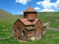 Średniowieczny kościół (Armenia)