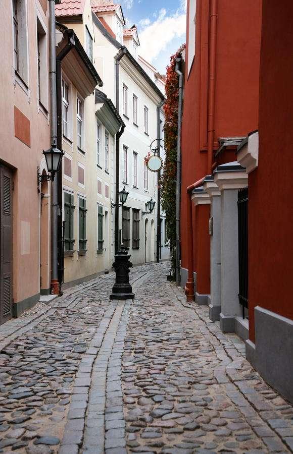 Uliczka w Rydze (Łotwa)