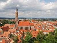 Panorama Landshut z kościołem św. Marcina (Niemcy)