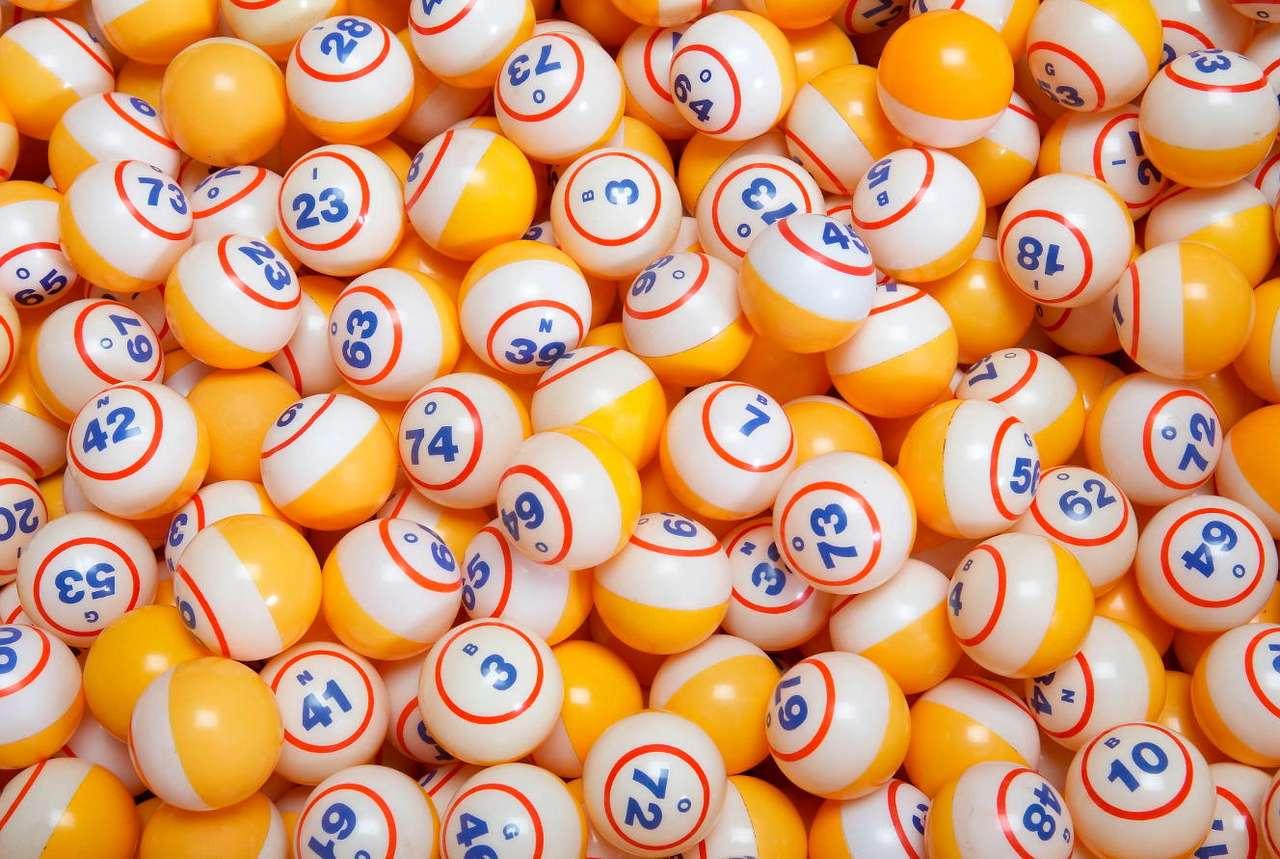 Bingo - Korzenie Bingo sięgają XVI wieku. We Włoszech wielką popularnością cieszyła się wtedy gra losowa, od której Bingo prawdopodobnie się wywodzi. W Bingo najważniejsze są refleks i spostrzegaw (16×11)