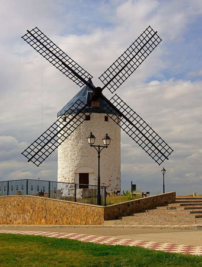 Młyn wiatrowy w Camuñas (Hiszpania) - Camuñas jest miasteczkiem położonym w prowincji Toledo, leżącej na terytorium krainy historycznej zwanej La Manchą. La Mancha została rozsławiona przez Miguela de Cervantesa, hiszpańskiego pi (6×8)