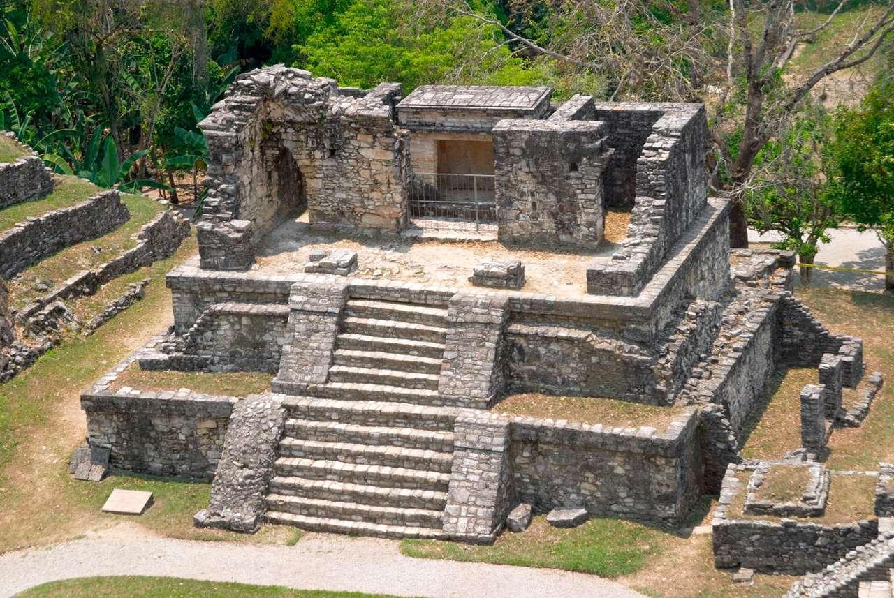 Świątynia XIV kompleksu ruin w Palenque (Meksyk) - Majowie stworzyli wysoko rozwiniętą cywilizację - do dziś zaskakują stosowane przez nich rozwiązania architektoniczne. Podobnie zdumiewa wiedza astronomiczną, jaką dysponowali. Powstanie cywil (14×9)