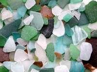 Oszlifowane kawałki szkła