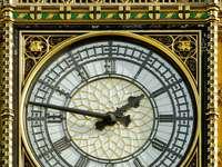 Zegar na wieży Big Ben w Londynie (Wielka Brytania)