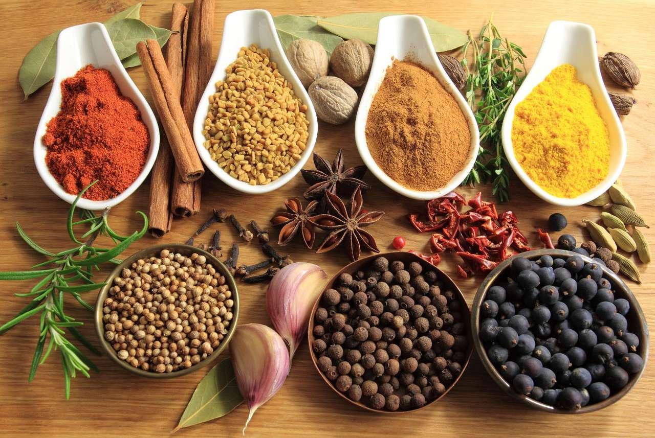 Kompozycja przypraw - Przyprawy i zioła pochodzące z różnych miejsc świata są wykorzystywane nie tylko w kuchni, ale często także w funkcji naturalnych lekarstw. Wiele z nich jest znanych od dawna w medycynie natur (16×12)