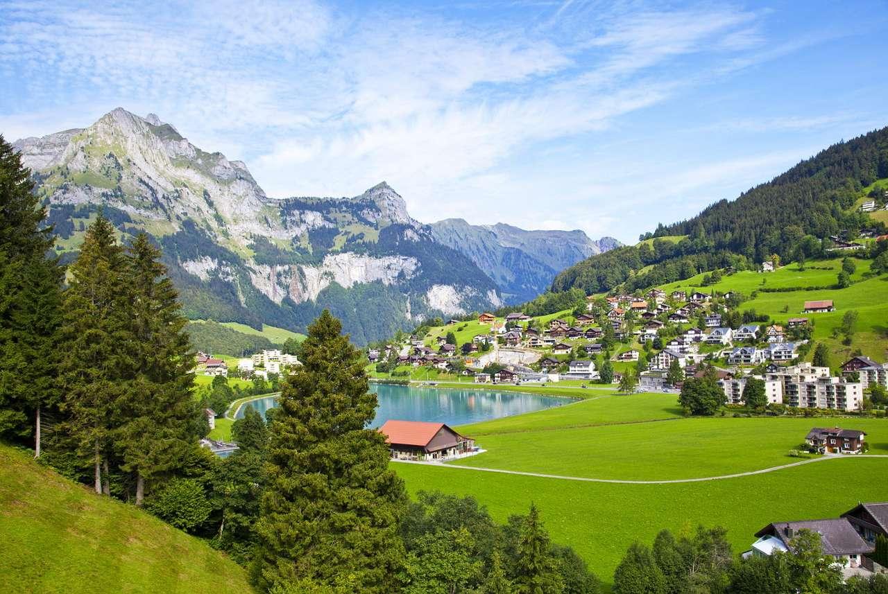 """Góry nad Engelberg (Szwajcaria) - Nazwa Engelberg oznacza """"anielską górę"""". Jest to niewielka szwajcarska miejscowość leżąca tuż u podnóża lodowca Titlis. Liczy niespełna 4 tysiące mieszkańców. Miaseczko słynie ze sk (12×5)"""